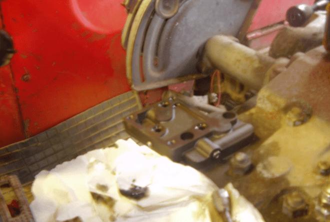 Kaksitoiminen hydrauliventtiili MF traktoreihin kuva 7