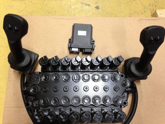 SDM100 8 1XTE10141 8 karaisen venttiilin Joystickit johtosarjan kuva 1 e1536605555768